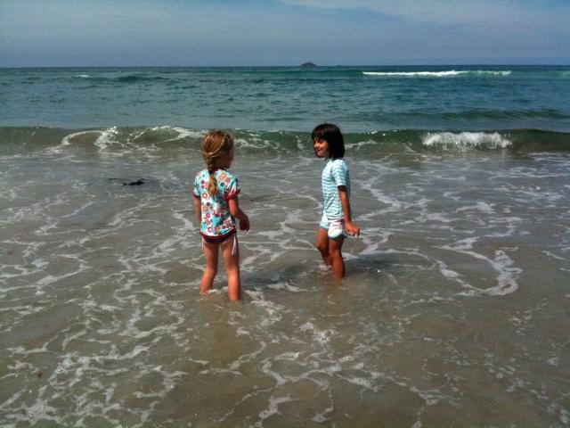 St Clair Beach - Mis & her friend Aila in the surf